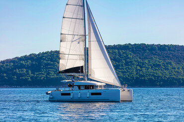 Catamaran Lagoon 40 from Kaštela - Charter Split