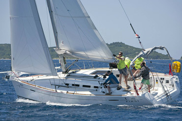 10 x Beneteau First 35 - Charter Split